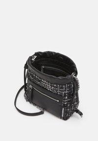 KARL LAGERFELD - SOHO SMALL - Across body bag - black - 2