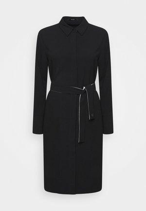 QUEORINA - Košilové šaty - black