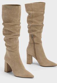 Bershka - IN KNITTEROPTIK  - Boots - beige - 2