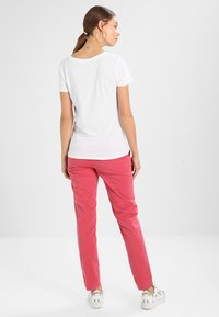 GAP - Basic T-shirt - white - 2