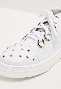 faina - High-top trainers - white - 6