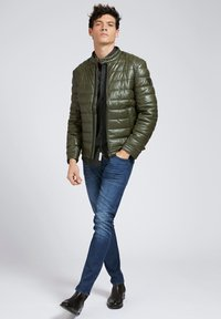 Guess - Winter jacket - grün - 1