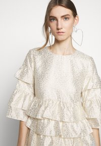 Bruuns Bazaar - FOLJA ANINE DRESS - Vestito elegante - gold - 4