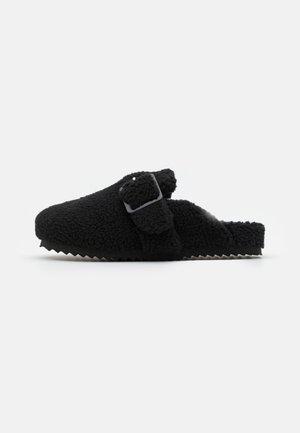 SABOT - Domácí obuv - black
