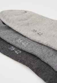 s.Oliver - 6 PACK - Trainer socks - grey/black - 2