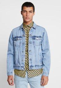 New Look - TRANS BASIC  - Denim jacket - light blue - 0