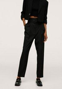 Mango - STRAIGHT-FIT - Chino kalhoty - black - 0