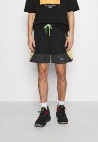 Jordan - Shorts - black/smoke grey/citron pulse/electric green - 0