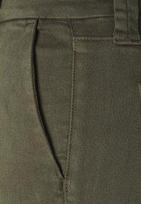J Brand - SLIM TAPER MID RISE  - Chinos - mottled olive - 6