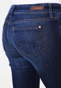 Mavi - LINDY - Slim fit jeans - dark indigo stretch - 5