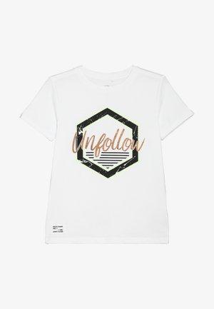 NKMKAKKAN - Print T-shirt - bright white
