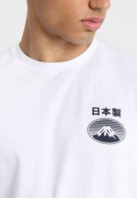 Edwin - FUJI SAN  - T-shirt imprimé - white - 4