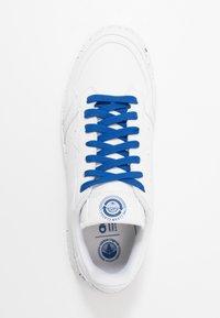 adidas Originals - SUPERCOURT SPORTS INSPIRED UNISEX - Sneakersy niskie - footwear white/collegiate royal - 3