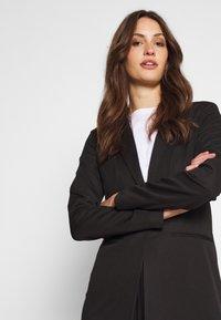 ONLY Tall - ONLMERYL ANNA LIFE  - Blazer - black - 4