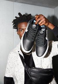 Nike SB - CHARGE PRM  - Trainers - black/white - 2