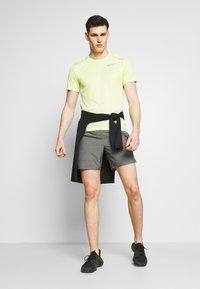 Nike Performance - CHALLENGER SHORT - Korte broeken - iron grey - 1