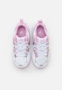 Nike Sportswear - AIR MAX FUSION - Tenisky - white/metallic silver/light arctic pink - 3