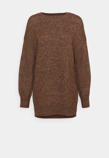 LONGSLEEVE ROUND NECK - Jumper - chestnut brown
