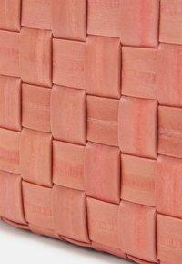 Becksöndergaard - BRAIDY PURSE NEW - Wallet - peach - 3