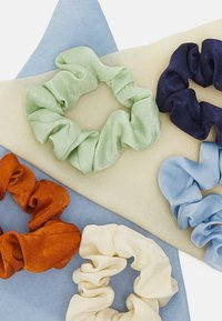 Pieces - PCHASEL BOW SCRUNCHIE5 PACK - Hair Styling Accessory - navy blazer/multi - 2