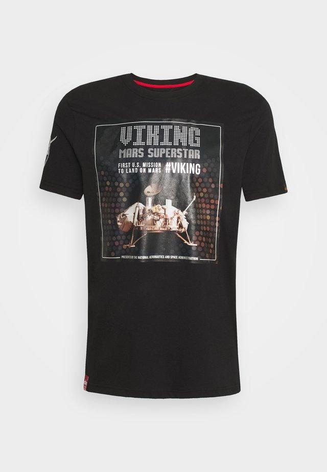SUPERSTAR - T-shirt con stampa - black/chrome