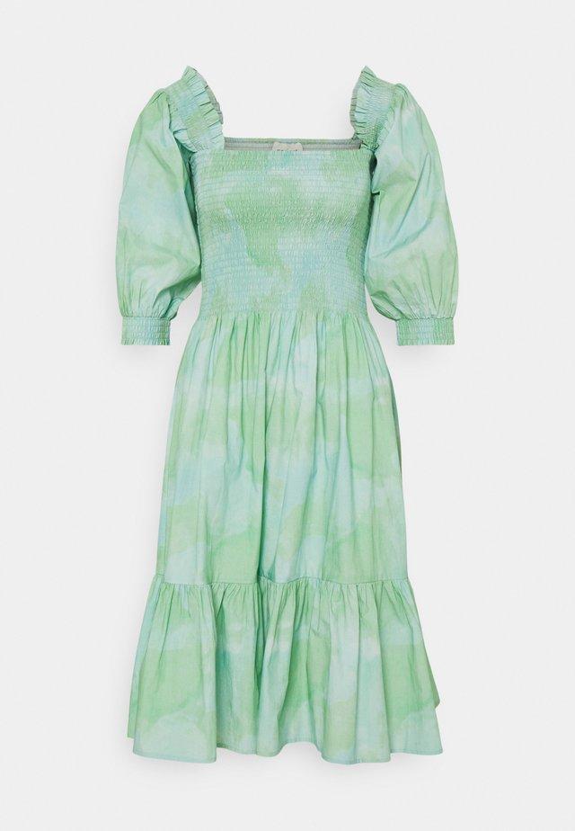 SIGNE - Denní šaty - quiet green