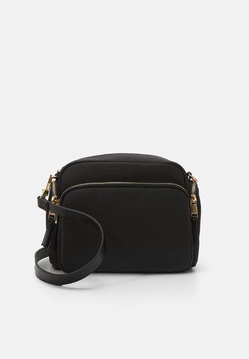 CROSSBODY BAG YARN S - Across body bag - black