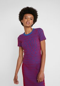 Opening Ceremony - SQUIGGLE  - Print T-shirt - cobalt cranberry - 0