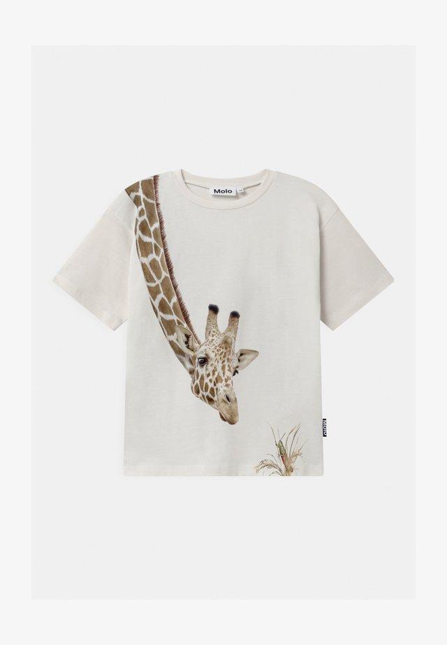 RILLO - T-shirt med print - white star