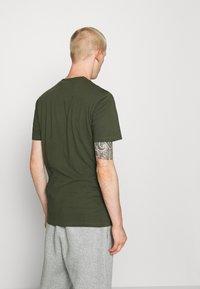 Napapijri - SEBEL - Print T-shirt - green - 2