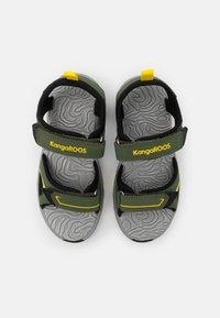KangaROOS - K-MONT - Chodecké sandály - olive/sun yellow - 3