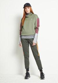 adidas Performance - Funkční triko - mottled grey - 1