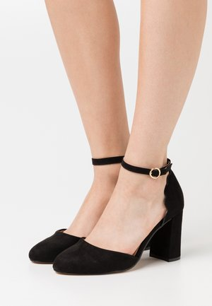 WIDE FIT DELANY COURT - Pumps - black