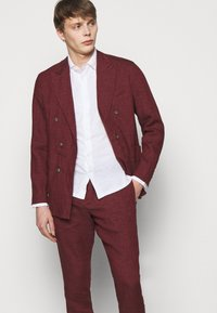 Frescobol Carioca - FORMAL TAILORED TROUSERS - Pantalon de costume - dark red - 3