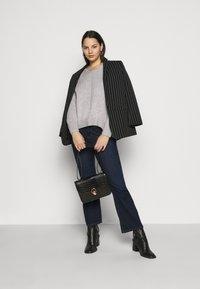Selected Femme Curve - SLFPOLLY  V-NECK - Jumper - light grey - 1