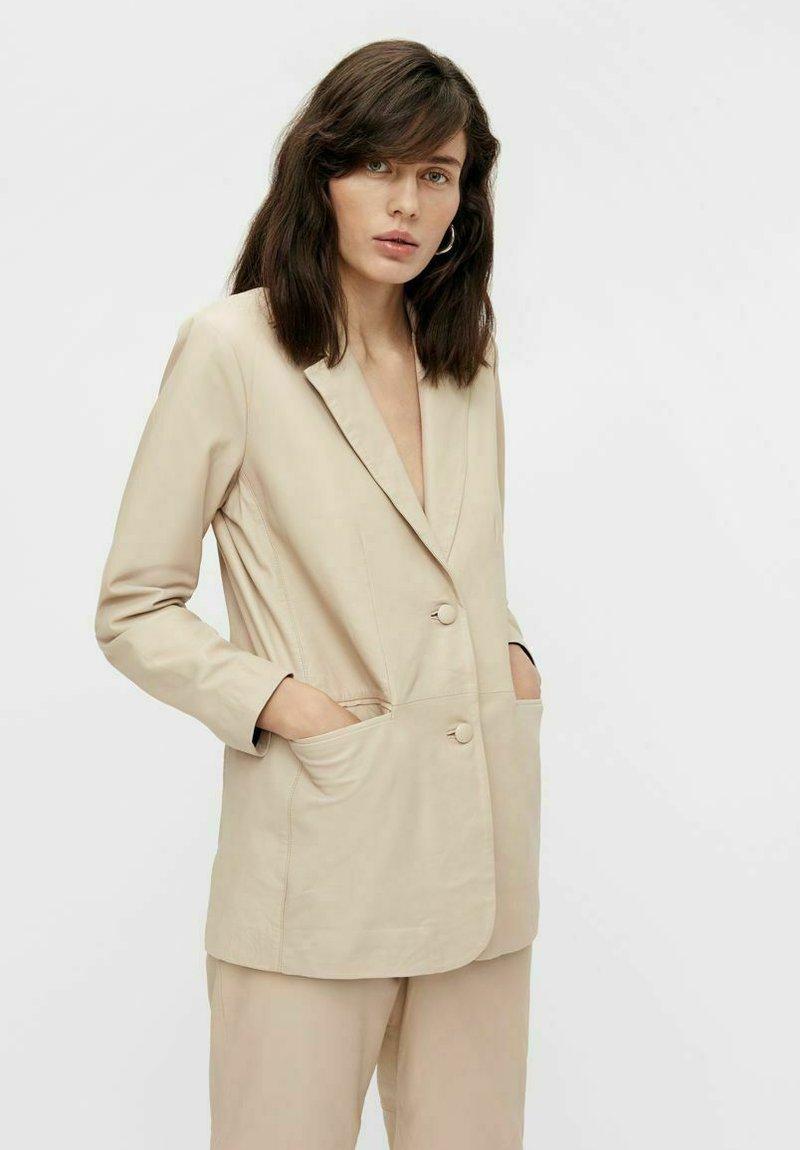 Object - Leather jacket - beige