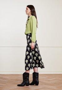 Fabienne Chapot - CLAIRE - A-line skirt - black  pistache - 3