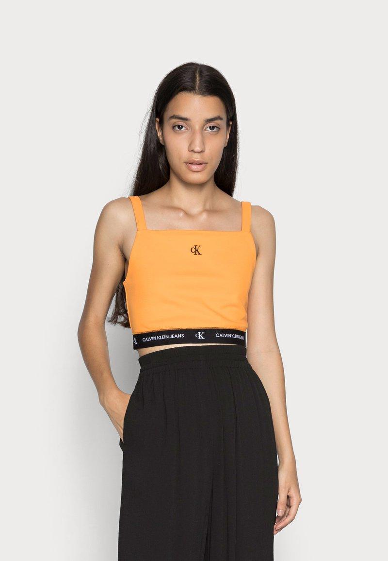 Calvin Klein Jeans - CROP WITH TAPE - Top - island orange