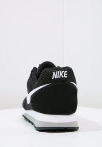 Nike Sportswear - MD RUNNER 2 - Trainers - schwarz - 3