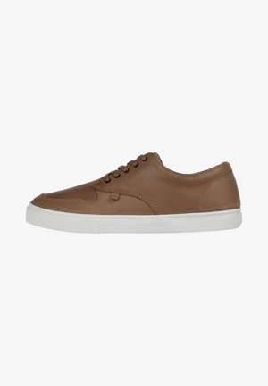 Skate shoes - brown