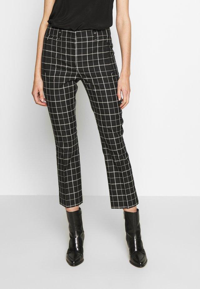TALAMO - Pantalones - schwarz