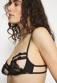 Bluebella - EMBER BRA - Underwired bra - black - 4