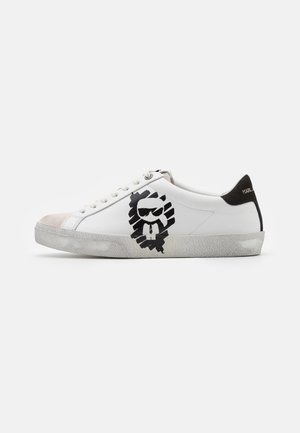 SKOOL IKONIC STENCIL  - Baskets basses - white