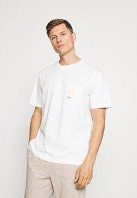 GAP - SURF GRAPH  - Print T-shirt - porcelain - 2