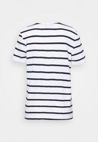 Marks & Spencer London - POCKET STRPE - Camiseta estampada - white - 1