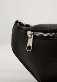 Calvin Klein Jeans - CKJ ULTRA LIGHT STREETPACK - Bum bag - black - 2