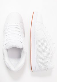 DC Shoes - NET UNISEX - Obuwie deskorolkowe - white - 1