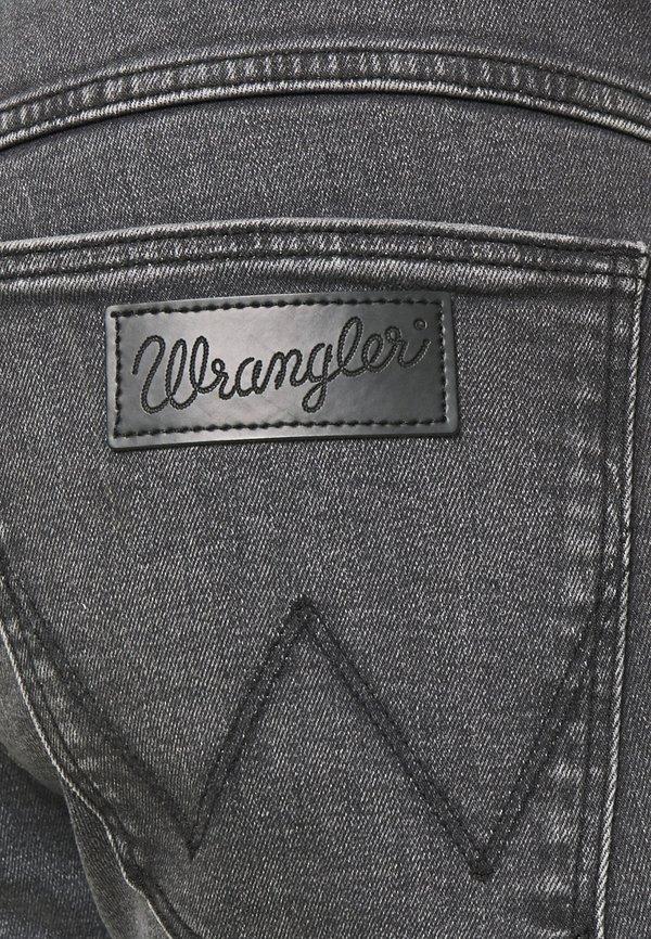 Wrangler LARSTON - Jeansy Slim Fit - husky black/czarny denim Odzież Męska WMJA