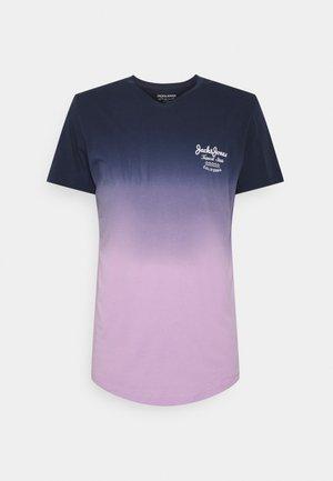 JORDERIN TEE CREW NECK - T-shirt med print - lavendula
