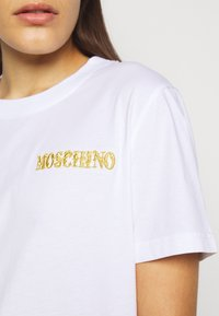 MOSCHINO - Printtipaita - white - 5